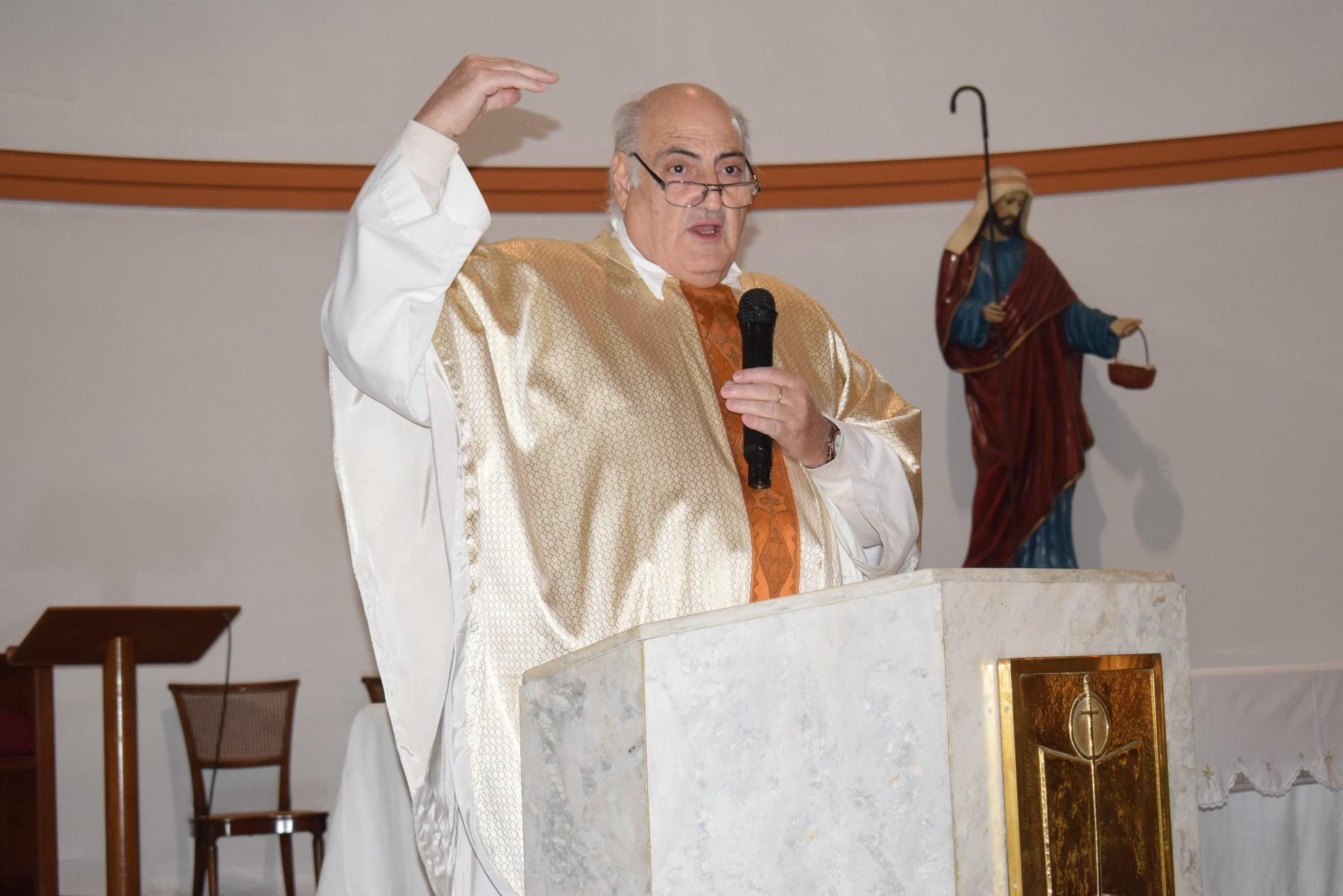 Internaron con COVID al Padre Argentino Lauria