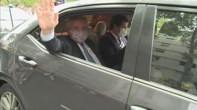 El auto que llevó a Alberto Fernández al Congreso debe más de $600 mil en multas